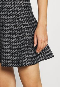 Molly Bracken - YOUNG LADIES SKIRT - A-snit nederdel/ A-formede nederdele - black - 4