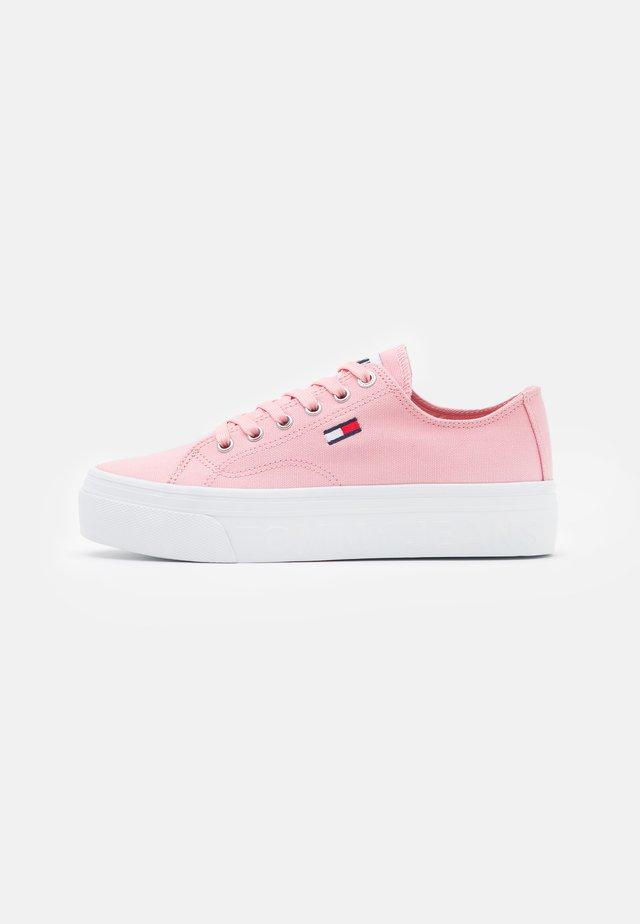 FLATFORM - Sneakers laag - iced rose