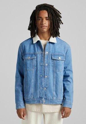 MIT LAMMFELLIMITAT - Denim jacket - blue denim