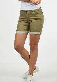 Desires - JEANSSHORTS LILA - Denim shorts - light green - 1