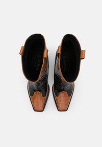 Monki - VEGAN NETTAN BOOT - Cowboy/Biker boots - black dark - 4