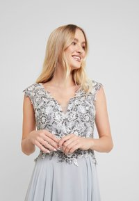 Luxuar Fashion - Robe de cocktail - silber grau - 4