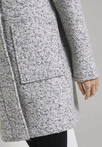 TOM TAILOR DENIM - BOUCLE COAT WITH HOOD - Klasický kabát - grey - 4