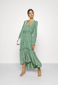YAS - YASORLEANS DRESS SHOW - Długa sukienka - dark ivy - 1