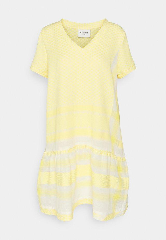 DRESS - Denní šaty - sunny