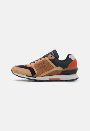 DORIAN - Sneakersy niskie - classic khaki
