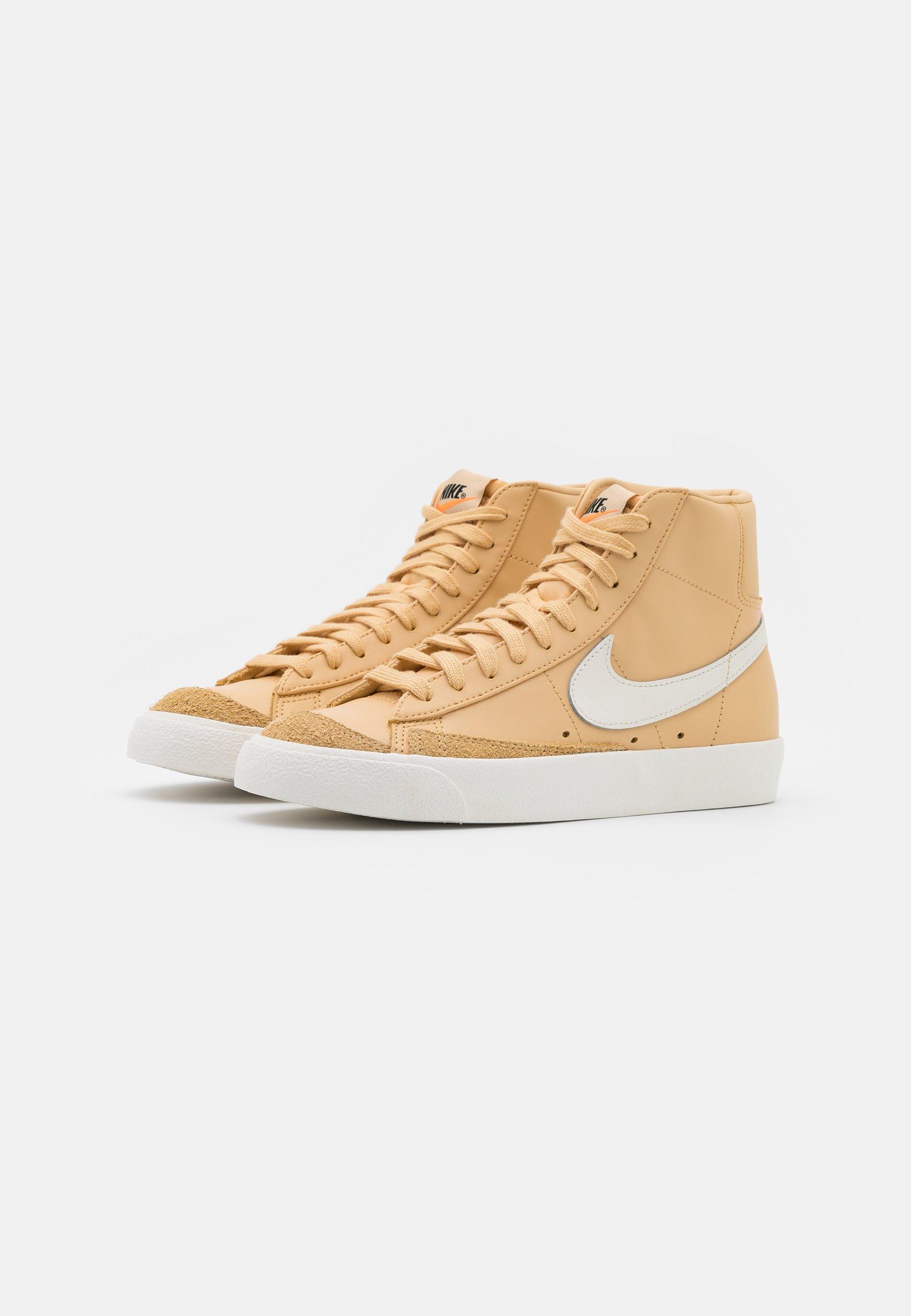 Nike Sportswear BLAZER MID '77 Sneaker high white/hyper crimson/sail/beige