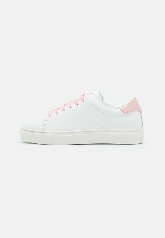 SQUARED SHOES - Trainers - pink