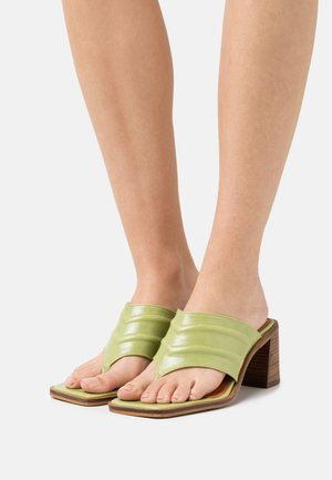 T-bar sandals - green poncho