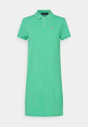 BASIC - Vestido informal - sunset green