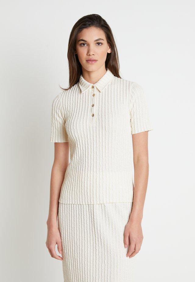 KYLIELN  - T-shirt med print - off-white