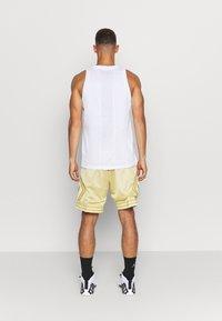 Jordan - AIR  - Sports shirt - white/infrared - 2