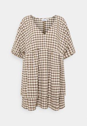 HEDVIG DRESS - Denní šaty - brown check