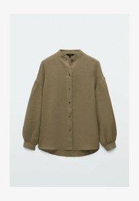 Massimo Dutti - MIT MAOKRAGEN UND PUFFÄRMELN - Button-down blouse - khaki - 0
