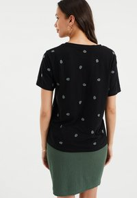 WE Fashion - MET DESSIN - Print T-shirt - black - 2