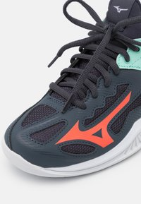 Mizuno - GHOST SHADOW - Handball shoes - india ink/fiery coral/ice green - 5