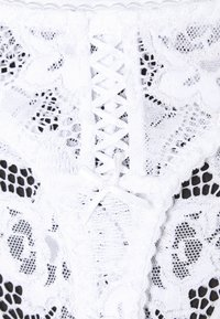 Sans Complexe - ARUM TAILLE MEDIUM - String - blanc - 2