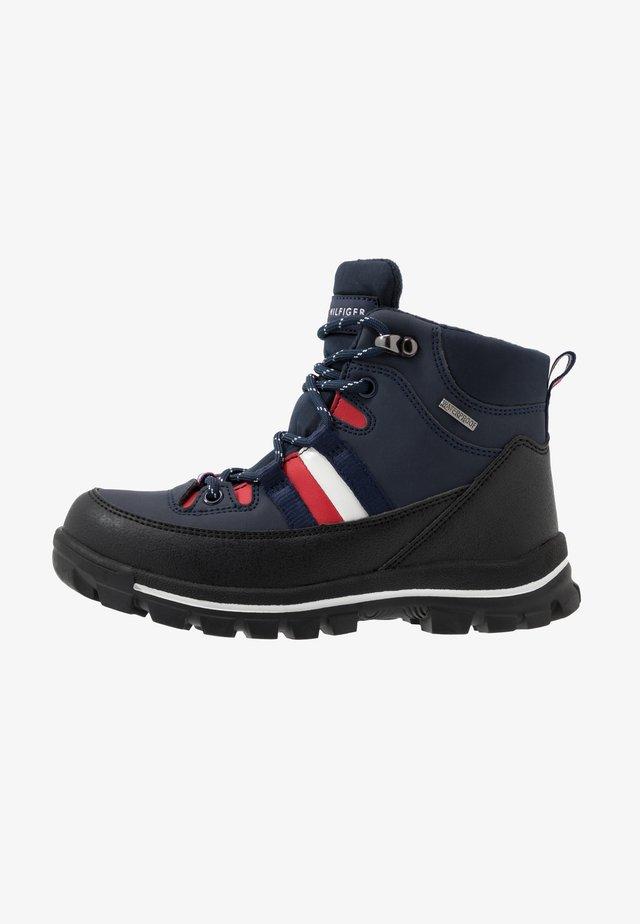 Šněrovací kotníkové boty - blue