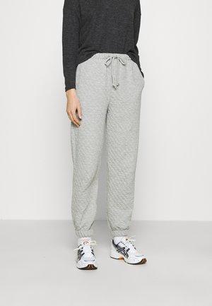 QUILTED JOGGER - Teplákové kalhoty - grey