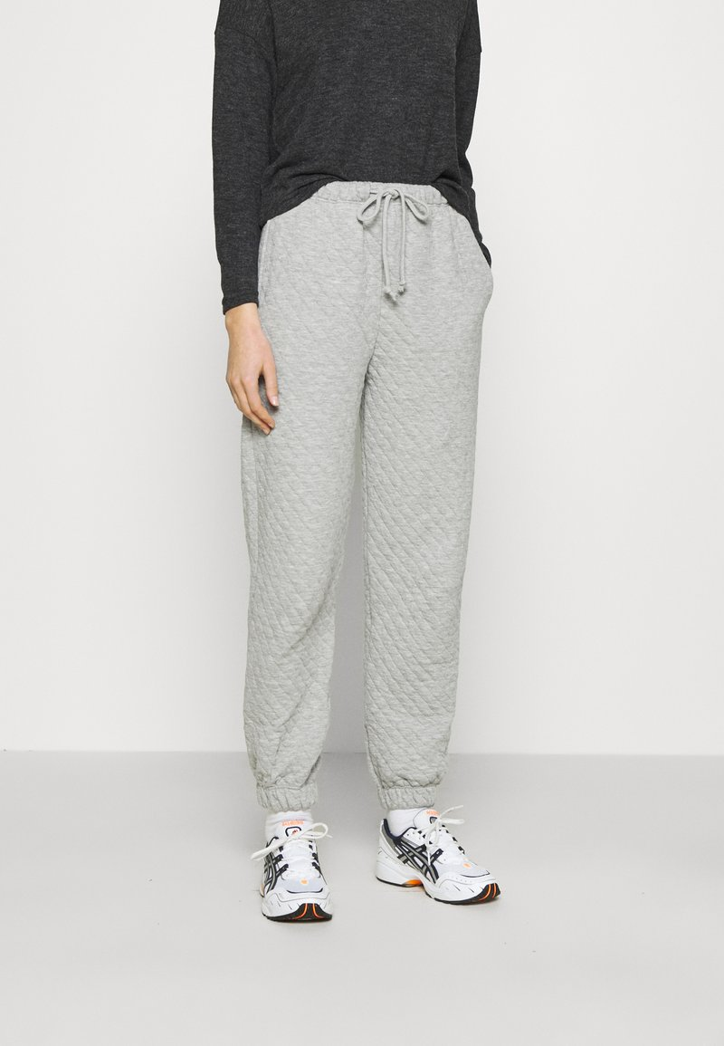 Topshop - QUILTED JOGGER - Tracksuit bottoms - grey