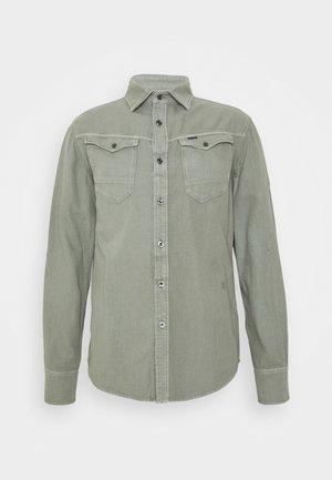 ARC 3D SLIM SHIRT L\S - Shirt - olive