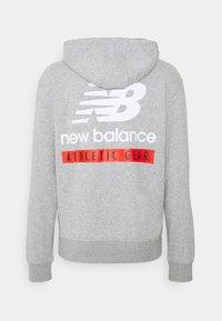 New Balance - ESSENTIALS FIELD DAY HOODIE - Sweatshirt - athletic grey - 1