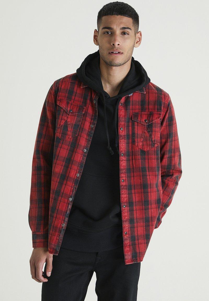 CHASIN' - BLEAK - Overhemd - red