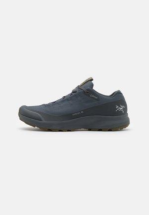 AERIOS FL GTX M - Zapatillas de senderismo - cinder/bushwack