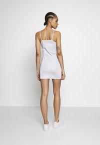 Ellesse - FLERES - Vestido de tubo - silver - 2