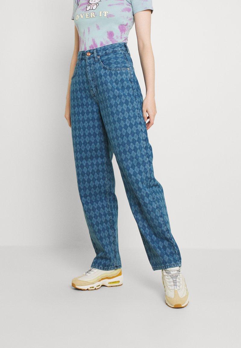 BDG Urban Outfitters - ARGYLE MODERN BOYFRIEND  - Jeans straight leg - light vintage
