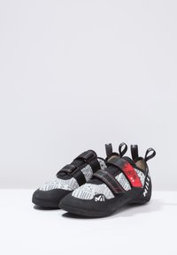 Millet - EASY UP - Climbing shoes - grey/red - 2