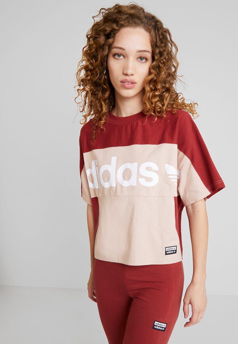 adidas Originals - BOXY TEE - T-shirt med print - ash pearl