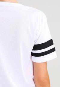 Urban Classics - 2PAC - T-shirt con stampa - white - 4