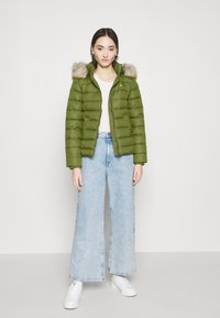 Tommy Jeans - BASIC - Dunjakke - olive tree - 1