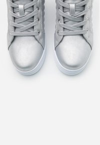 Guess - FASE - Sneakers high - argent - 5