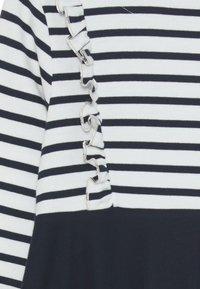 Petit Bateau - LOULA ROBE - Jersey dress - marshmallow/smoking - 2
