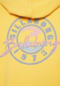 Billabong - WAY TO GO - Sweatshirt - stay golden - 2