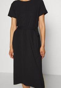 Object - OBJCELIA DRESS - Žerzejové šaty - black - 5