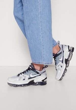 AIR VAPORMAX EVO UNISEX - Zapatillas - wolf grey/white/anthracite/dark grey
