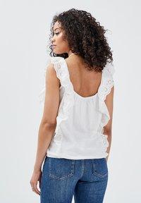 BONOBO Jeans - Blusa - ecru - 2
