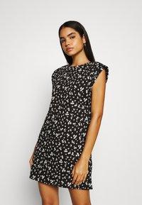 ONLY - ONLPERNILLE SHOULDER DRESS - Jerseyklänning - black - 0