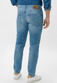 BRAX - STYLE CHRIS - Slim fit jeans - glory blue used - 2