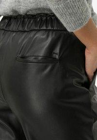 BRAX - STYLE MAINE S - Trousers - black - 3