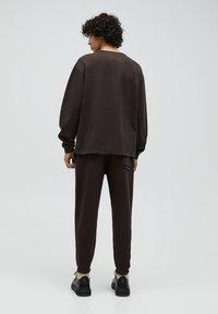 PULL&BEAR - Sweter - mottled brown - 2