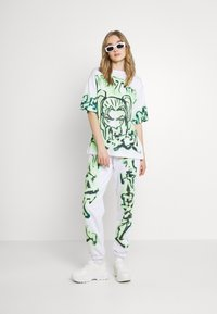 Jaded London - NOT YOUR - T-shirts med print - green - 1
