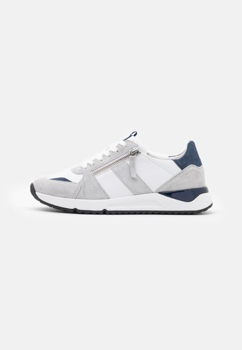 Sneakers laag - weiss/light grey/river