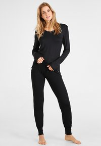 Esprit - SINGLE PANTS - Pyjama bottoms - black - 1