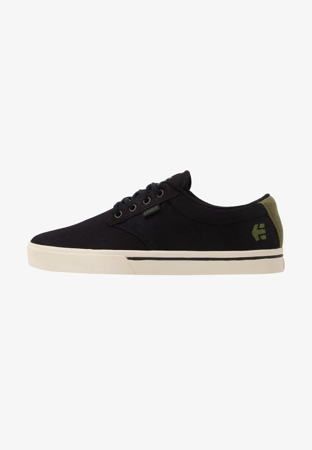 JAMESON ECO - Skate shoes - black/green/gold