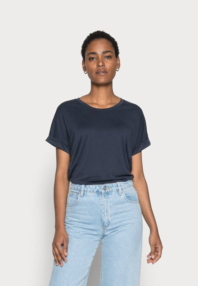 KAJSA - Basic T-shirt - blue