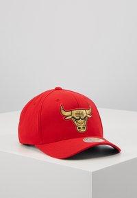 Mitchell & Ness - NBA BULLION SNAPBACKCHICAGO BULLS - Caps - red - 0